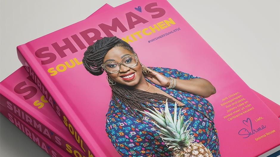 Shirma's swingende smaken gebundeld in een kleurrijk kookboek